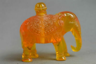 Collectable Amber Carve Royal Rare Elephant Room Decorate Art Old Snuff Bottle