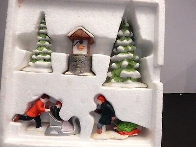 Dept. 56 Heritage Village New England Series Winter Village Accessories    Euc