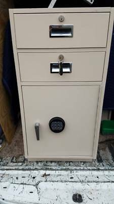 Diebold 2 drawer Bank Teller File Cabinet Safe w/combination    (10 Available)