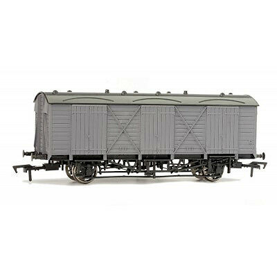 Dapol A013 - 'Un Painted' - Fruit D LWB Van - 00 Gauge New Boxed Tracked 48 Post