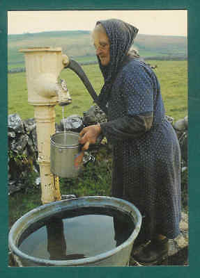 REAL IRELAND POSTCARD Getting water the hard way Picture postcard  B34