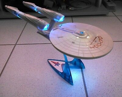 Star Trek USS Enterprise NCC - 1701  (2009) Model Playmates  mit Licht und Sound