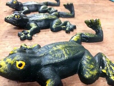SET of 5 CLIMBING TREE FROG HOOKS Hand Painted green, coat robe towel wall hook