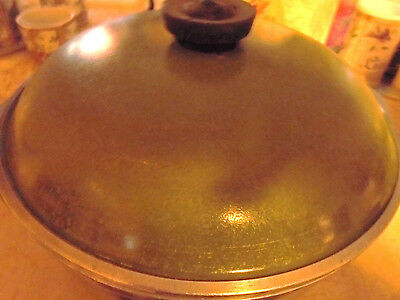 """Vintage Green Cast Aluminum Large Covered Stock Pot With Lid...10 1/4"""" Across"""