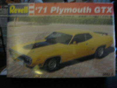 Revell 1971 Plymouth  GTX 2door hardtop skill level 2 factory sealed 1/24 scale