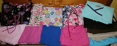 Women's Scrubs Used Extra Small to Small Pick What You Want PM Me An Offer