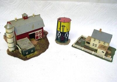 Vintage N / O Scale Barn, Water Tower & Farm House Building Lot