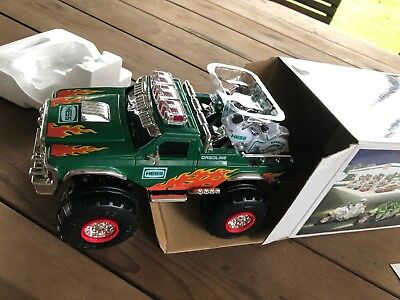 2007 HESS TOY MONSTER TRUCK AND MOTORCYCLES Nib.