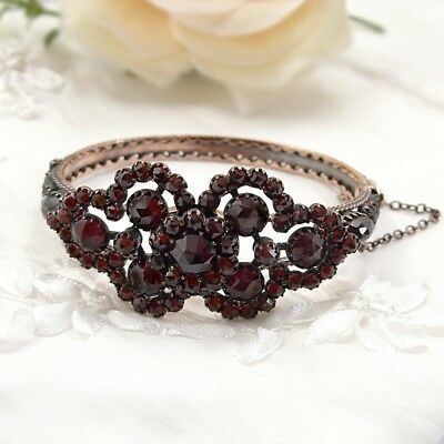 Magnificent Vintage garnet bangle in Victorian style // ГРАНАТ