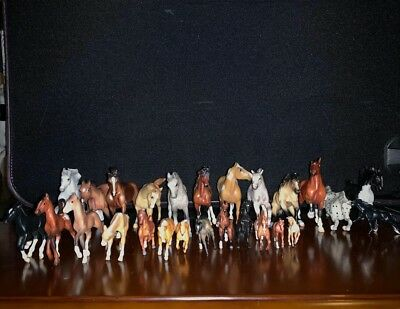 Breyer Stablemate and Mini Whinnies - Lot Of 28