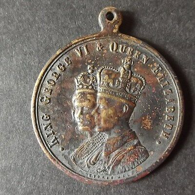 Coronation 1937    George VI & Queen Elizabeth Commemorative Medallion