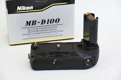 Nikon MB-D100 Battery Pack Boxed with instruction maual very good condition