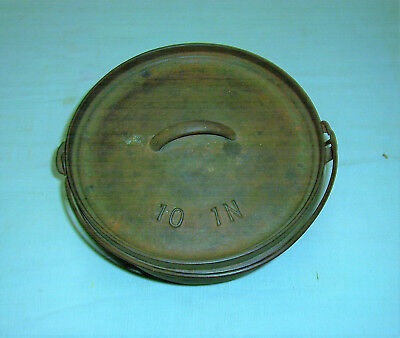 VINTAGE 3 FOOTED CAST IRON DUTCH OVEN no.10 BEAN POT LID w/ Raised Numbers