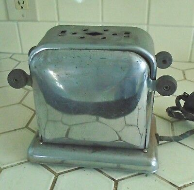 VINTAGE 1930's 40s ART DECO STYLE ELECTRIC TOASTER AS IS CORD DAMAGE UNTESTED
