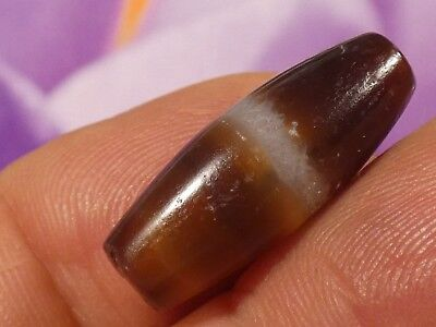 Ancient Chung Dark Agate Single Banded Tube Bead 17.5 By 8.7 Mm Contrast