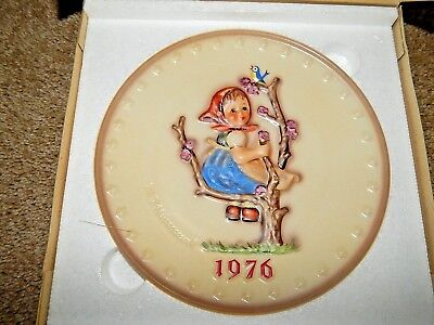 GOEBEL M. J. HUMMEL 1976 Plate of the Year Germany HUM 269 Vintage Collection