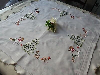 Vintage Hand Embroidered Tablecloth - Little Robins And Snowmen/christmas Cloth