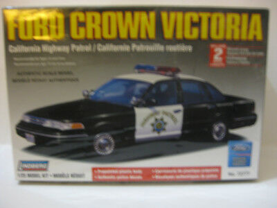 Lindberg Ford Crown Victoria Police Car Factory Sealed 1/25 Scale