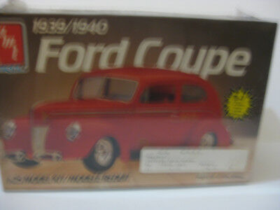 Amt 1940 Ford Sedan Miss Labeled As A Coupe Factory Sealed 1/25 Scale 3 In1 Kit.