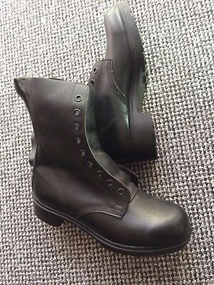 New Genuine British army boots (Size 8)