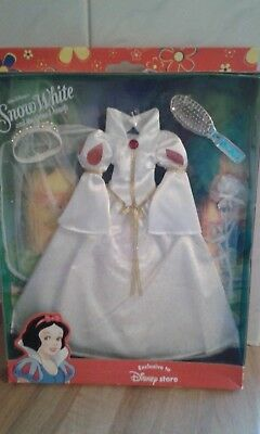 Disney Store  Snow White Doll  outfit in box