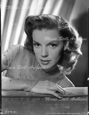 JUDY GARLAND, ORIGINAL 8X10 Camera Negative Portrait, MGM,1945