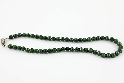 Vintage Deep Green JADE BEAD NECKLACE Magnetic Clasp 45cm 50g
