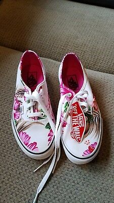 Vans Old Skool Men 6 Women 7.5 White Hawaiian Flower Print Pink Sneakers