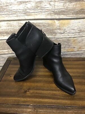 0d413a141b5 NIB Women s Vera Wang Simply Vera Chelsea Stacked Ankle Booties Vienna Boots  Bk