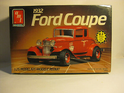 AMT 1932 Ford 5 Window Coupe 1/25 scale kit skill Level 2 factory sealed 3 IN 1