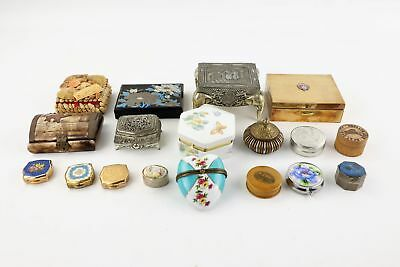 18 x Vintage Assorted Trinket & Pill Boxes Inc. Silver Plate, Wood, Floral Etc
