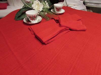 Vintage Beautiful Large Christmas Red Tablecloth 4 Napkins