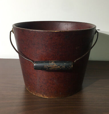 United Indurated Fibre Co. Bucket