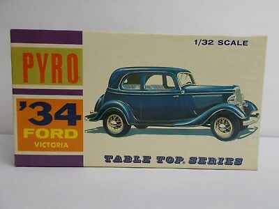 PYRO '34 FORD VICTORIA 1/32 TABLETOP SERIES PLASTIC SCALE MODEL KIT No. C305