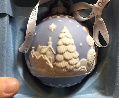 RARE Wedgwood ENGLISH COUNTRYSIDE Christmas Tree Ornament, **BOXED**