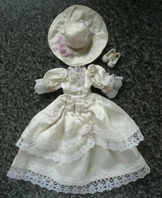 Vintage Sindy 1985 Here Comes the Bride near complete outfit in excellent cond.