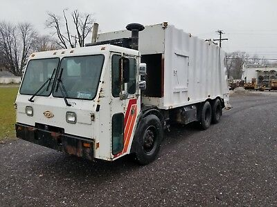1999 CCC Crane Carrier Garbage Truck, G&H Split Load Body Rear Load NO RESERVE