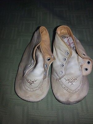 Vintage Antique Childrens  White High top shoes with  detail on toes