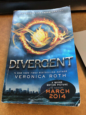Divergent (Divergent Series) by Roth, Veronica - Paperback - GOOD