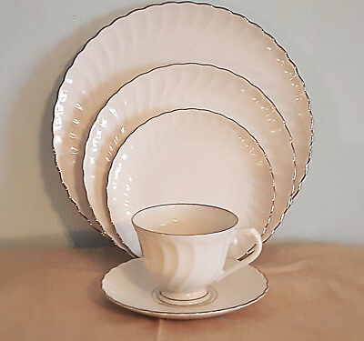 """Vintage Mid-Century """"Wedding Ring"""" 8 PC Dining Set by Syracuse China - 40 pieces"""