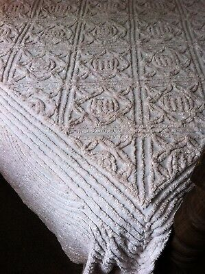 1950S Pinky White Chennille Bedspread, Double.