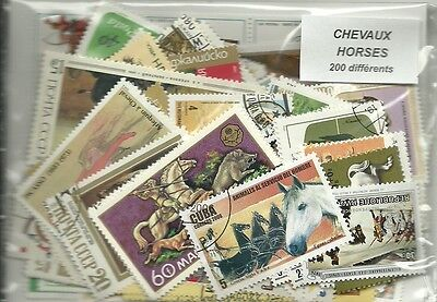 "Lot 200 timbres thematique ""Chevaux"""
