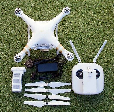Complete DJI Phantom 3 professional with 4K Camera