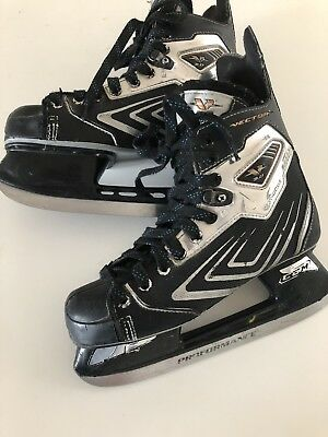 Vector 3.0 Ice Skates With Proformance Blades Size 5.5