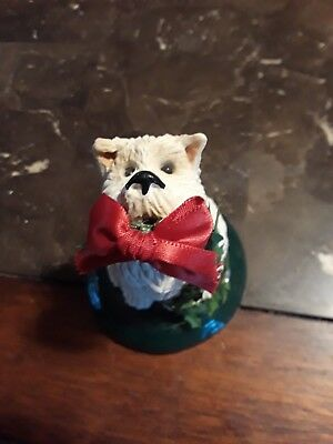 Byers Choice The Carolers White Dog with Bow  & Christmas Vine.........Nice