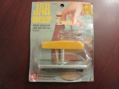 Vintage 1972 Kitchen King Metal Screw Top Jar Opener NEW OLD STOCK on Card WOW