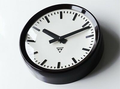 Genuine PRAGOTRON Industrial Clock Factory Vintage Bakelite Modernist Czech rar