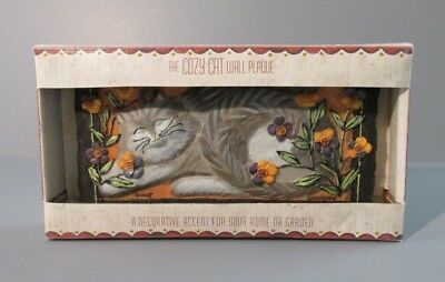 """The Cozy Cat """"Pansy"""" Wall Plaque"""