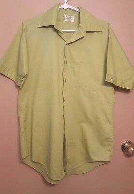 Vintage 1970's Pea Green Short Sleeve Shirt by Van Heusen Small 15