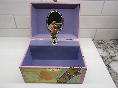 Vintage 1999 SCOOBY DOO MUSICAL JEWELRY BOX Plays HOW MUCH DOGGIE IN THE WINDOW